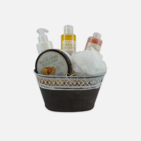 Dárkový drogistický a kosmetický balíček Mandle 04a